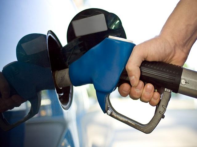 Impostos sobre combustíveis sobem no domingo - Circuito Mato Grosso