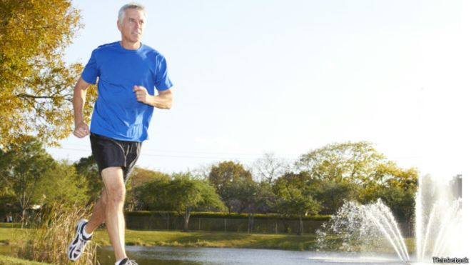 Atividade física reduz risco de câncer em 'quarentões'
