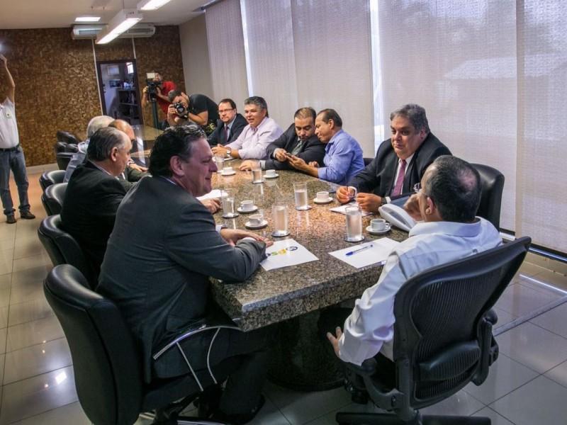 Resultado de imagem para PSD reafirma lealdade e cobra maior diálogo do Governo com deputados