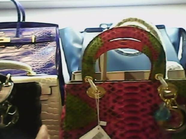 03785ef4a 19 lojas da Paulista vendem bolsas piratas por até R$ 3 mil reais