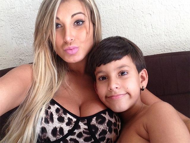 Após alta modelo Andressa Urach diz que vai se afastar da redes sociais