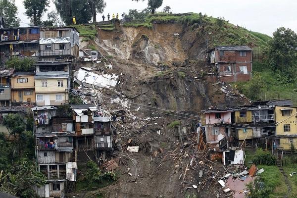 Chuvas deixam 8 mortos e 20 desaparecidos na Colômbia