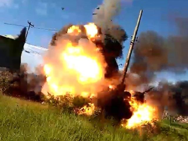Aposentado grava momento em que carro explode em Campinas