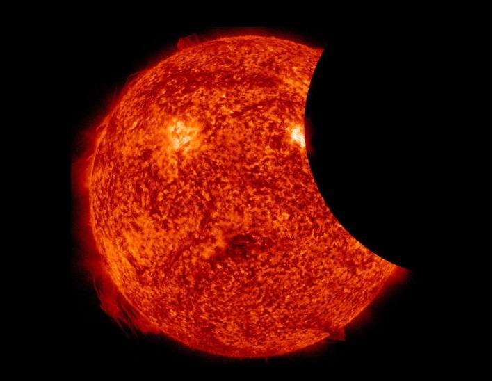 Teresinenses não conseguem ver eclipse solar na capital