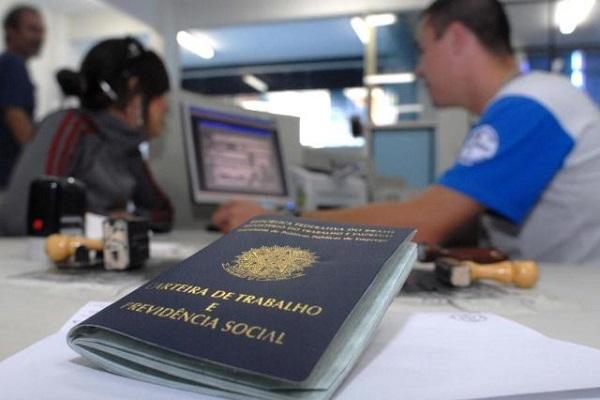 Brasil tem 26,5 milhões de pessoas sem trabalho adequado, aponta IBGE
