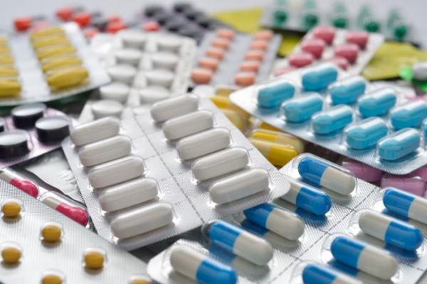 Suspensão sobre remédios não impede análise de casos urgentes
