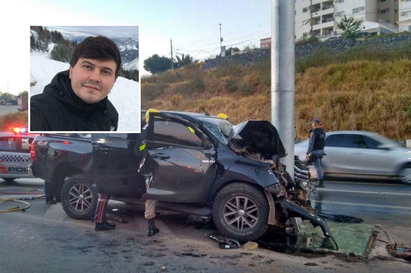 Filho de deputado fica gravemente ferido ao bater com carro em poste