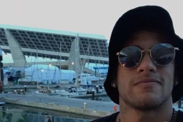 Neymar e Marquezine trocam mensagens em códigos no Instagram