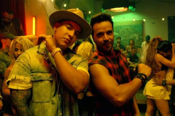 'Despacito' quebra recorde e é vídeo mais visto no YouTube