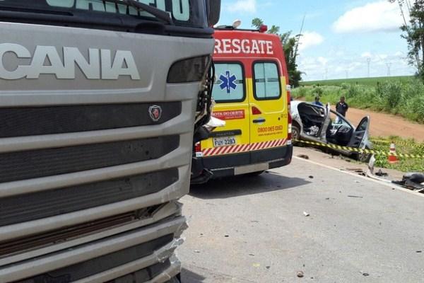 e169cda39 Três pessoas morrem em acidente na BR-163 em Sinop