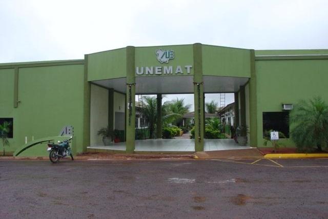 Unemat abre vaga para interprete de libras com salário de até R$ 2,6 mil