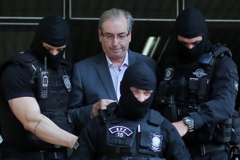 Dodge se manifesta contra pedido de Rodrigo Maia