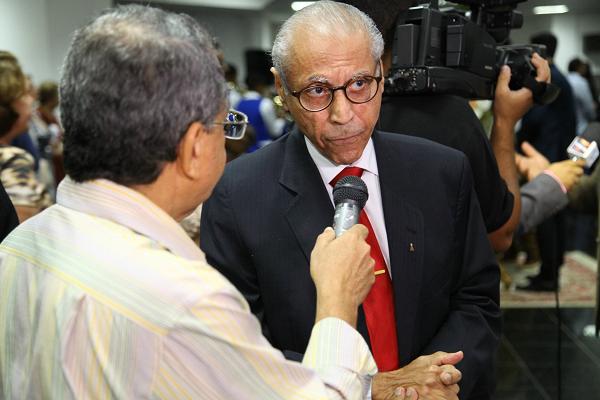 Se ninguém tiver coragem eu vou, diz ex-governador Júlio Campos