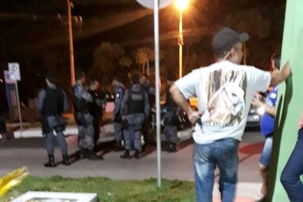 Grupo rende agentes prisionais e dá fuga a detento em Aragarças