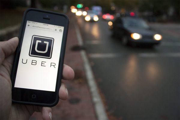 Temer sanciona lei que dá poder a municípios para regulamentar Uber