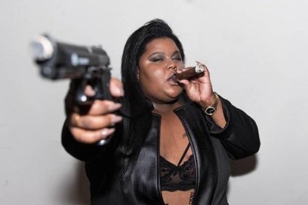 MC Carol conta que ex-namorado tentou matá-la com facão
