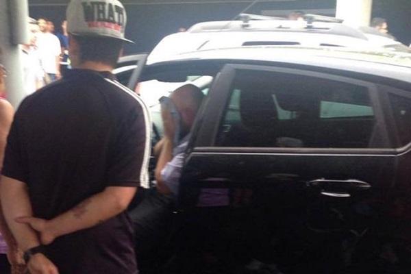 Taxistas agridem e esfaqueiam motorista de Uber na rodoviária de Cuiab