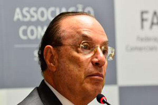 Paulo Maluf recebe alta médica de tratamento de câncer em São Paulo