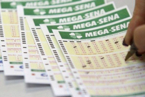 Mega Sena paga prêmio de R$22 milhões neste sábado