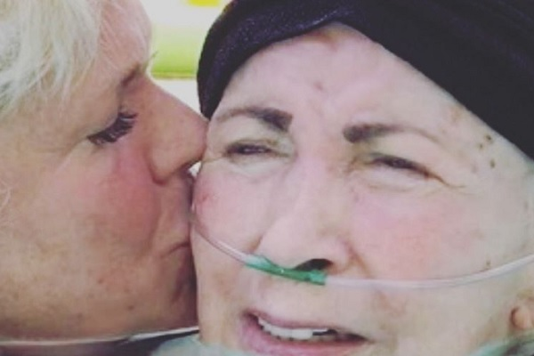Dona Alda, mãe de Xuxa, morre aos 81 anos