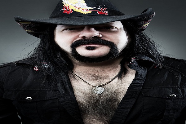 Vinnie Paul, baterista e fundador do Pantera, morre no Texas aos 54 anos