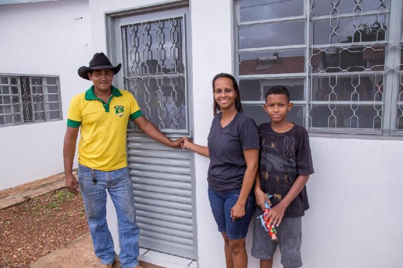 Governo entrega conjunto habitacional em Nossa Senhora do Livramento