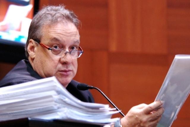 MPE pede afastamento de Romoaldo Júnior e processa mais 15 por prejuízo de R$ 9 milhões ao erário