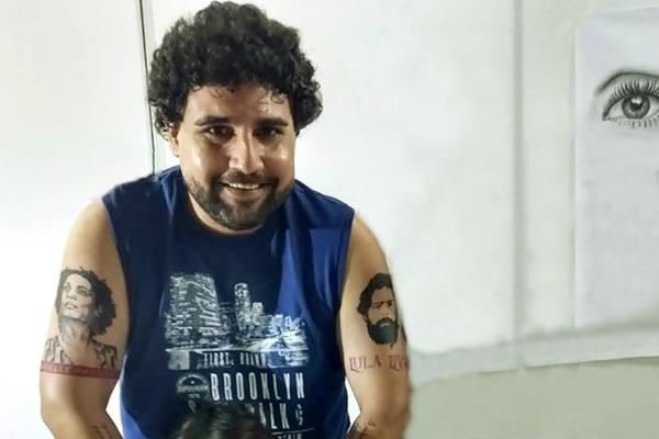 Advogado que tatuou rostos de Lula e Marielle no braço faz B.O com medo de represália