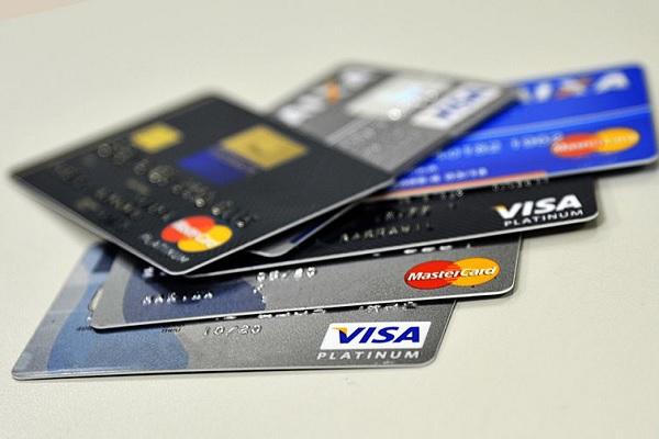 b6a3a0f000 Juro do rotativo cai e cheque especial passa a ser crédito mais caro